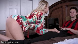 Best allies cougar mommy is starving for my 10-Pounder!